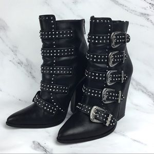 STEVE MADDEN Comet Boots 5 Buckle Style
